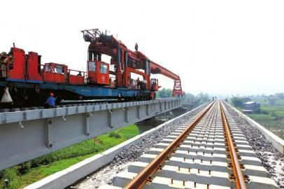 兰渝铁路采用防水板