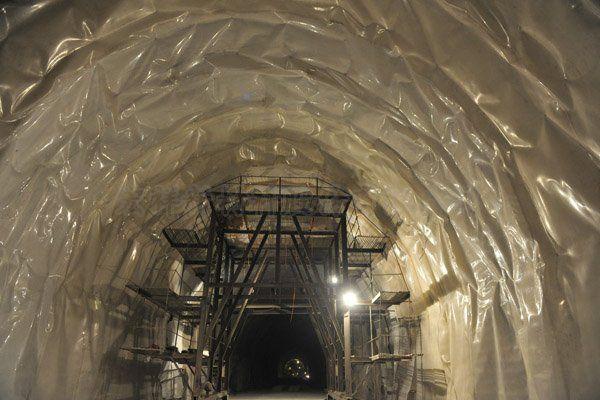 南广铁路----五指山隧道
