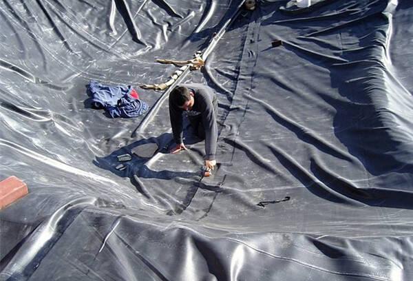 人工湖防渗施工过程中有关节点的处理方法