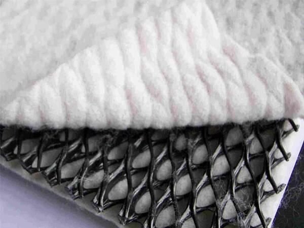 调节池防渗材料复合排水网的施工方法