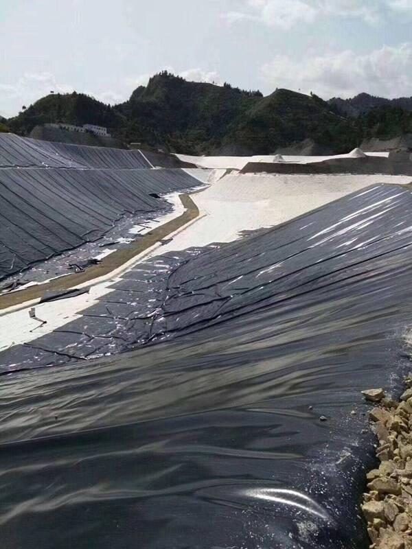 人工湖面防渗新型宽幅聚乙烯土工膜设计要点